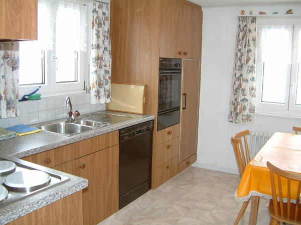 k hlschrank im wohnzimmer inspirierendes design f r wohnm bel. Black Bedroom Furniture Sets. Home Design Ideas